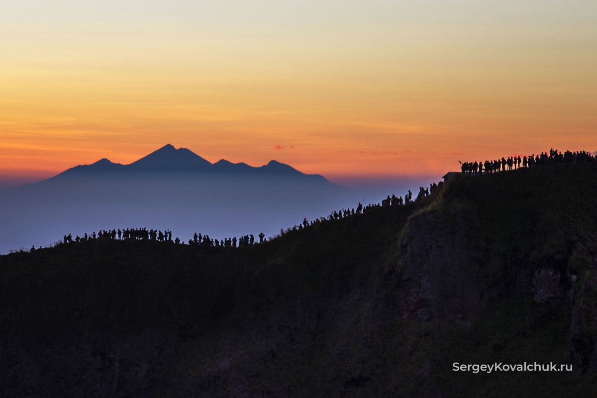 Вулкан Батур, остров Бали, Индонезия